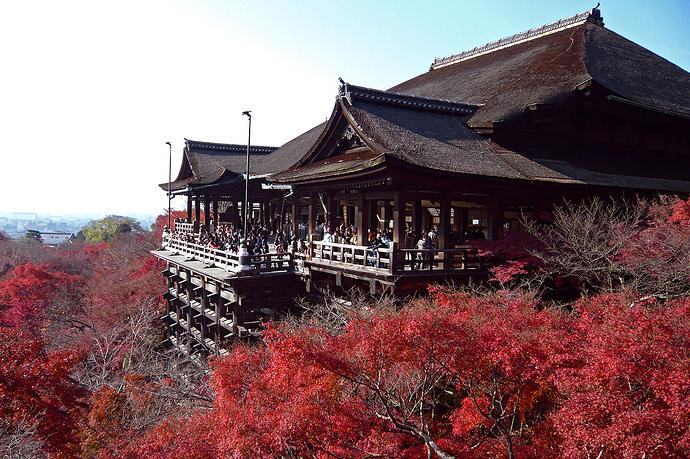 1280px-Kiyomizu-dera_in_Kyoto-r